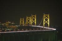 夜の瀬戸大橋の様子